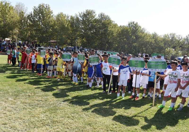 فستیوال فوتبال پایه پسران در کردان کرج به روایت تصویر