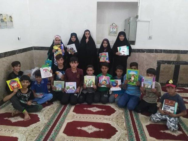 تجلیل از کتابخوانان برگزیده در روستای امامزاده بزم بوانات