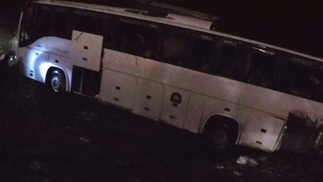 واژگونی یک دستگاه اتوبوس مسافربری در جاده های اصفهان ، 9 نفر جان باختند