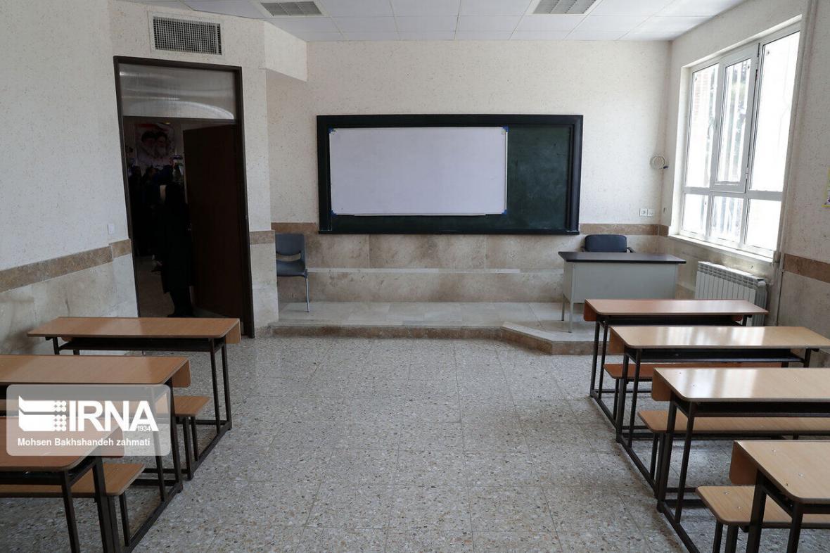 خبرنگاران استاندار : نحوه بازگشایی مدارس اصفهان اطلاع رسانی می شود
