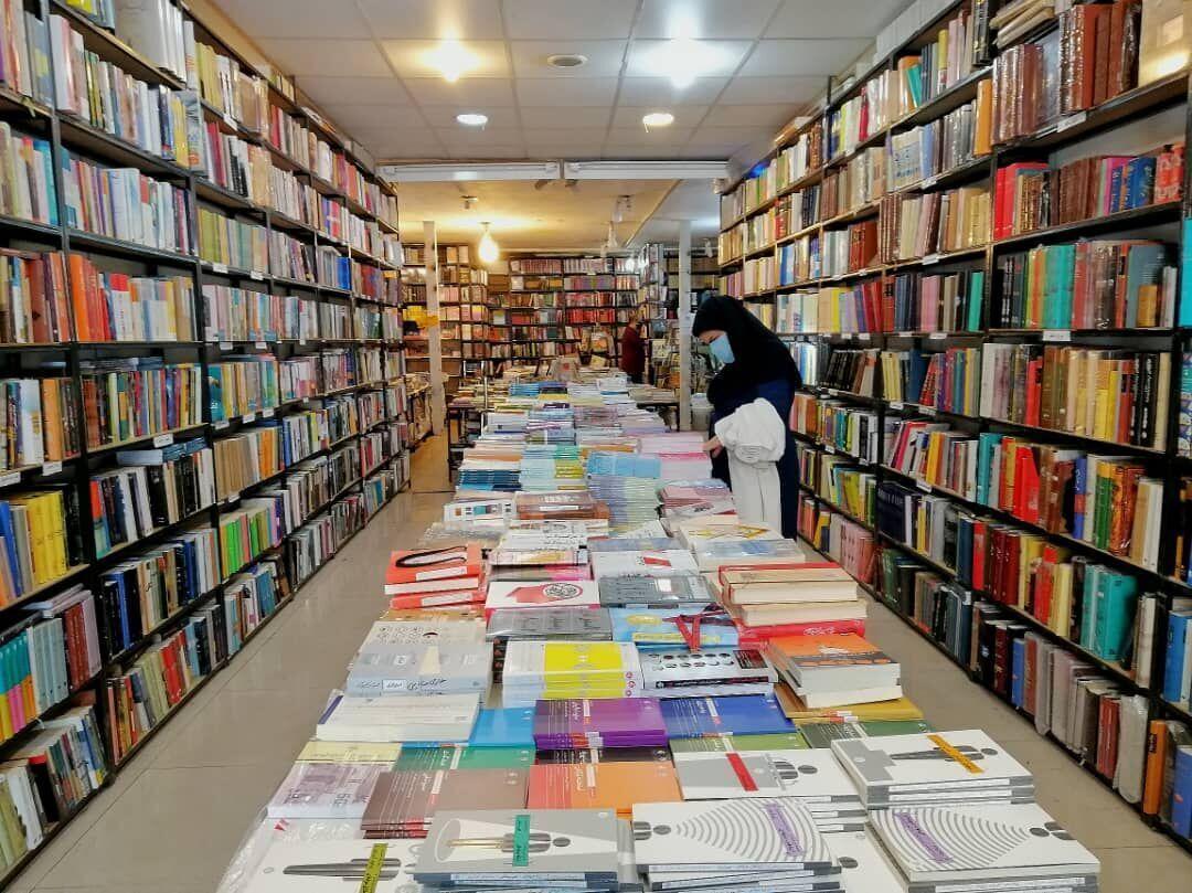 خبرنگاران ناشران فارس به طرح خرید سالانه کتاب وزارت ارشاد دعوت شدند