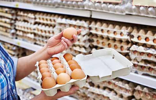 الزام مراکز توزیع به عرضه تخم مرغ بسته بندی شناسنامه دار